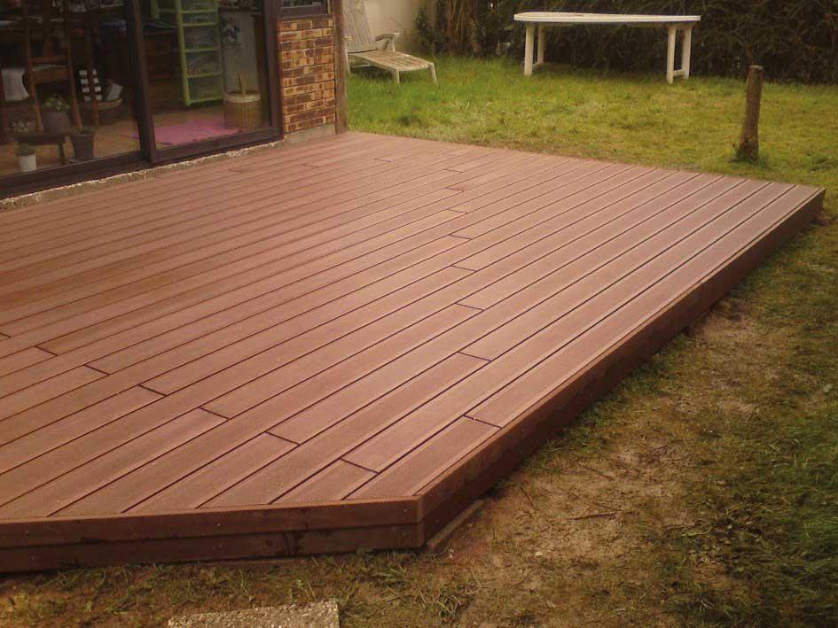Réalisation d'une terrasse en bois composite 2