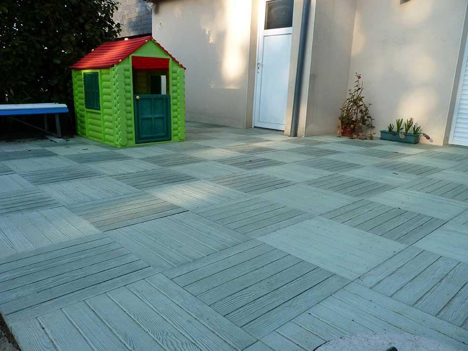 Réalisation d'une terrasse en dallage imitation bois 10